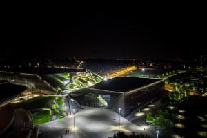 Międzynarodowe Centrum Kongresowe nocą