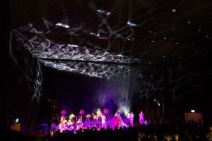 Sala audytoryjna podczas koncertu zespołu Bass Astral